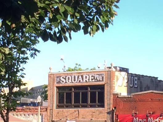 Square Pub 1